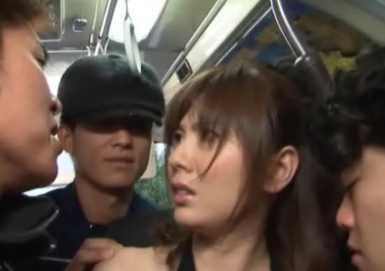 痴漢バスおとり捜査官024