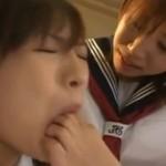 女生徒に足舐めレズ調教される女教師