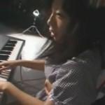 未成熟な身体を嬲られながらのピアノレッスン